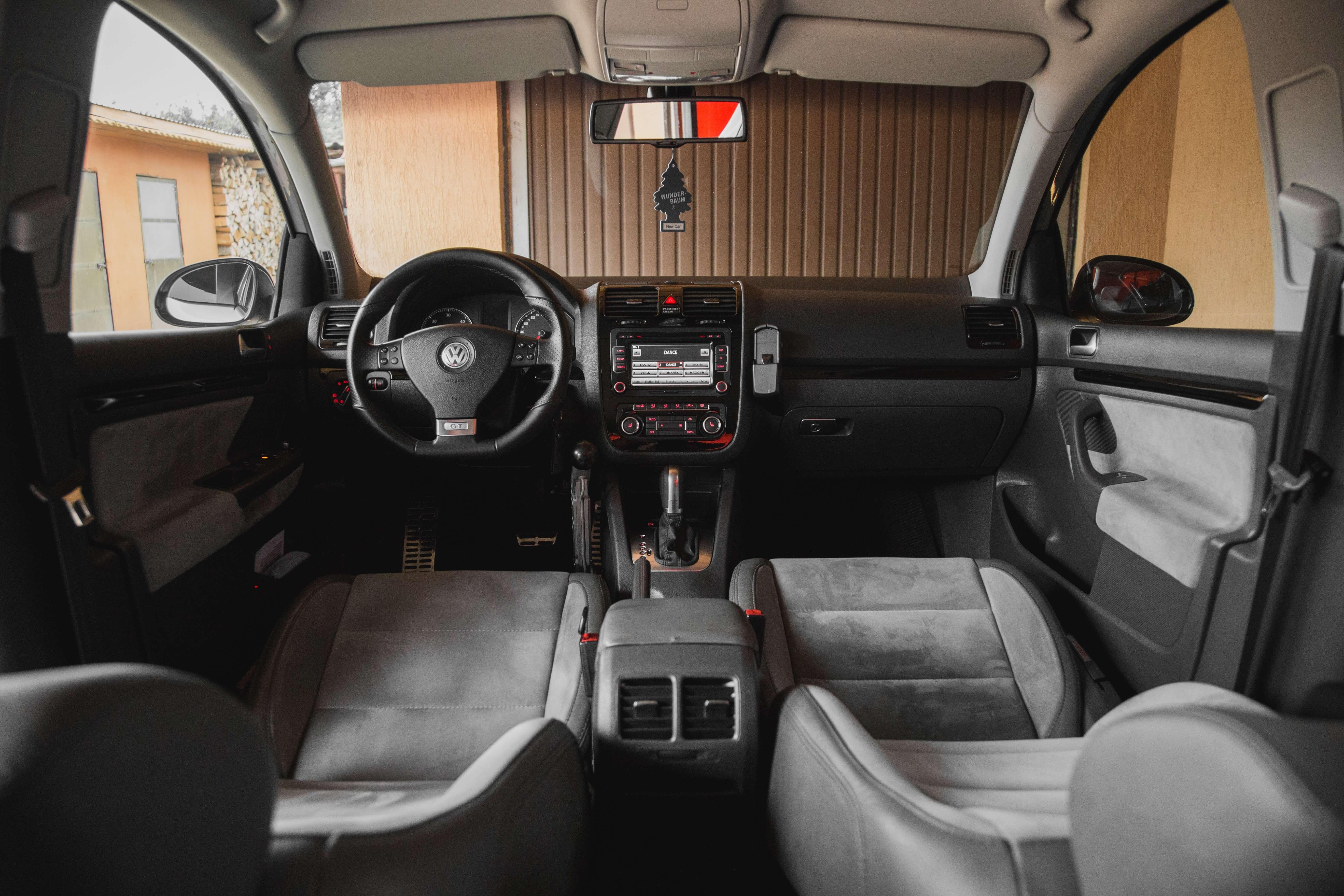 ledersthle reinigen latest ledersitze im auto reinigen with ledersthle reinigen ratgeber. Black Bedroom Furniture Sets. Home Design Ideas